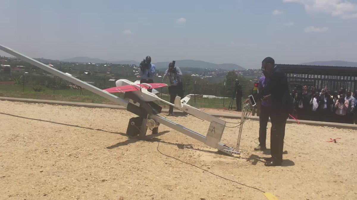 President Kagame launching a Zipline medical delivery drone now in Muhanga  #Rwanda https://t.co/D9rHG4WlN4