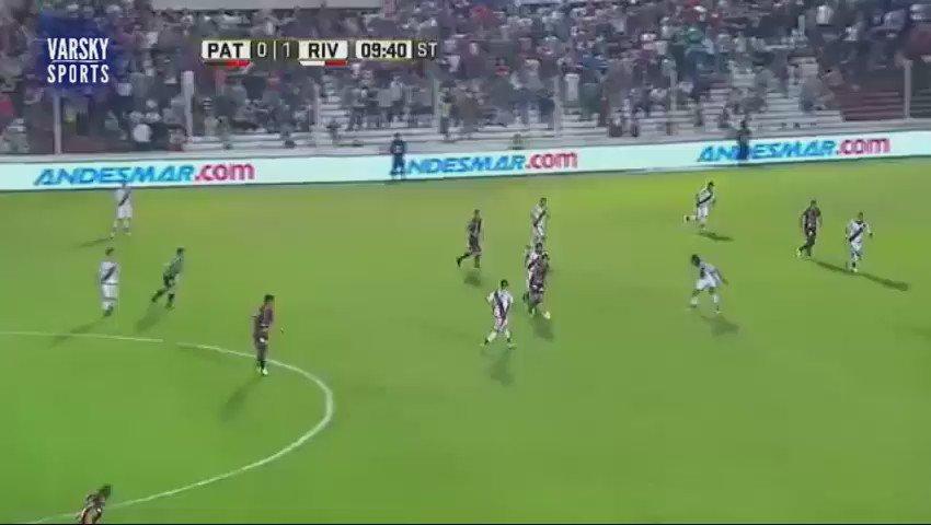 El gol de Gabriel Vargas contra River: https://t.co/lycvAORzCC (via @VarskySports)