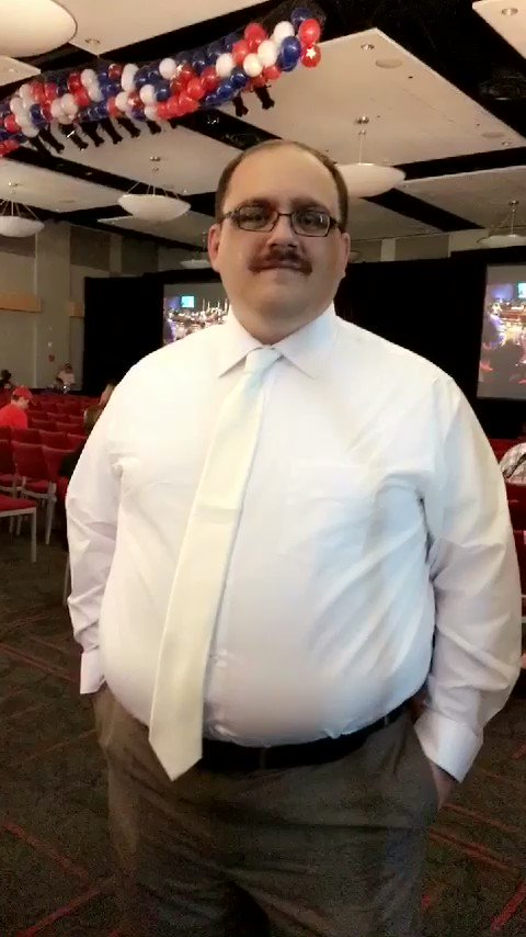 Thanks for coming to #UNLV, @kenbone18. Excited to see you on @JimmyKimmelLive tonight! #UNLVPresDebate https://t.co/SHueGeLcaf