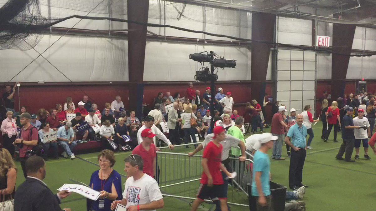 Newtown Athletic Club beginning to fill up in preparation for Donald Trump. Live report at 6 @FOX29philly