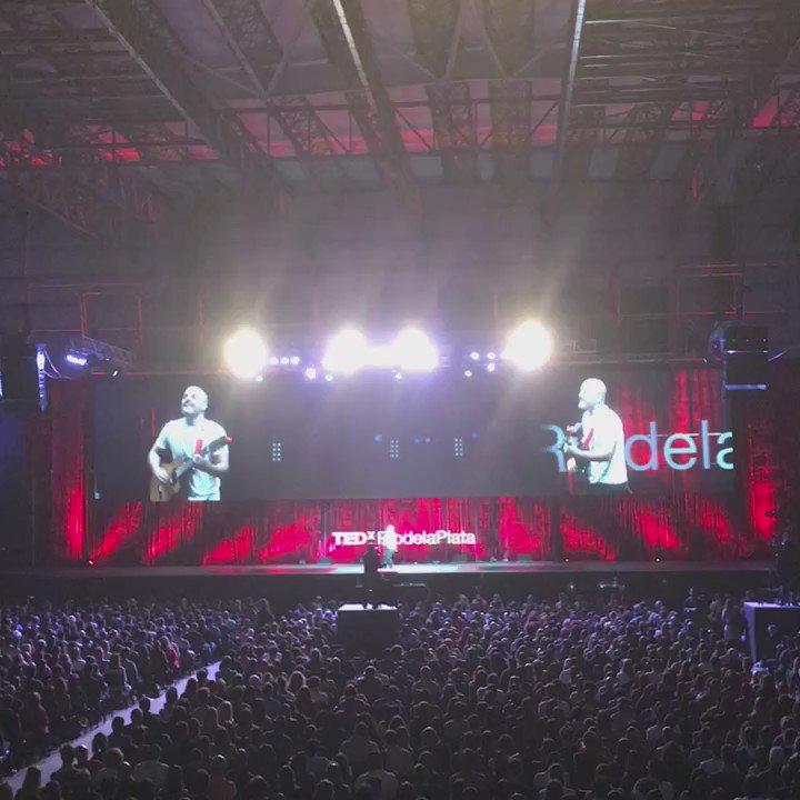 """""""Esto es mi Xuxa, es lo que hace que todo fluya. ¿Cuál es la tuya?"""" César Silveyra en #TEDxRP https://t.co/FBBQXFEBuY"""