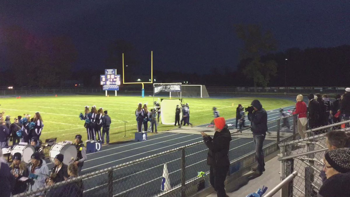 Richmond taking on Almont tonight in the @MHSAA playoffs! GoBlueDevils