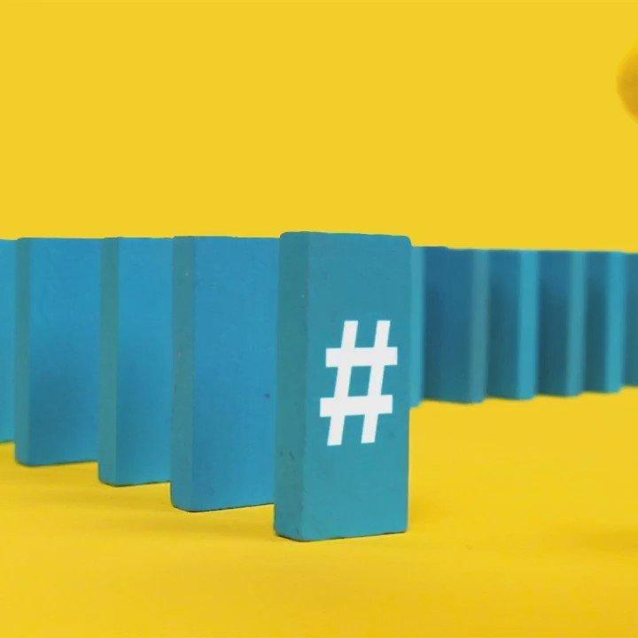 happy monday! knock em dead 👉 *dominoes were shot in-camera! 🙀❗️ #slantedstudios #20daysofyay #yay #stopmotion