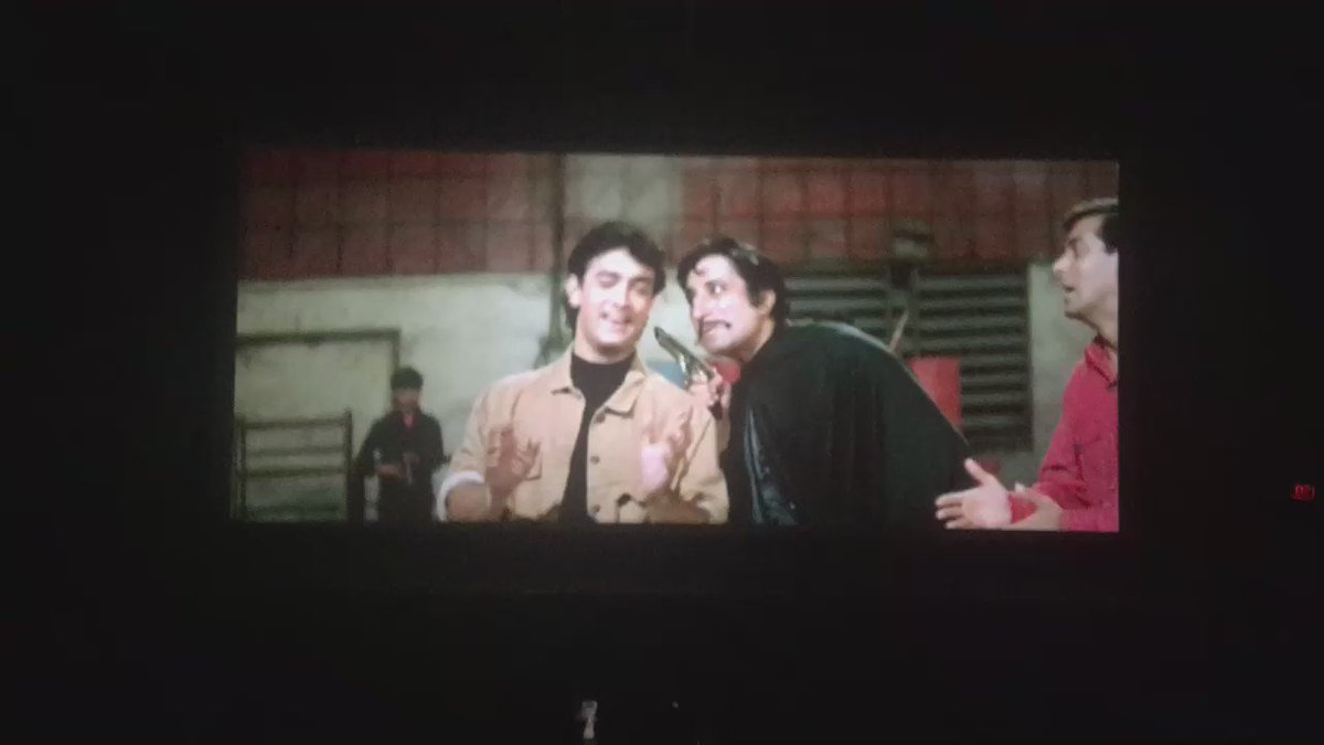 Watched Andaaz Apna Apna in the theatre!!! Thanks to @1018mb  What fun @shilparao11 @MeiyangChang @barmecharajat https://t.co/CnNC3A868d