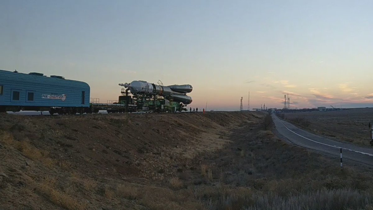 And then finally, in the rising sun, #SoyuzMS03 reaches Pad 1 in the distance. #MS03Tweetup https://t.co/9pv2zCBqfD