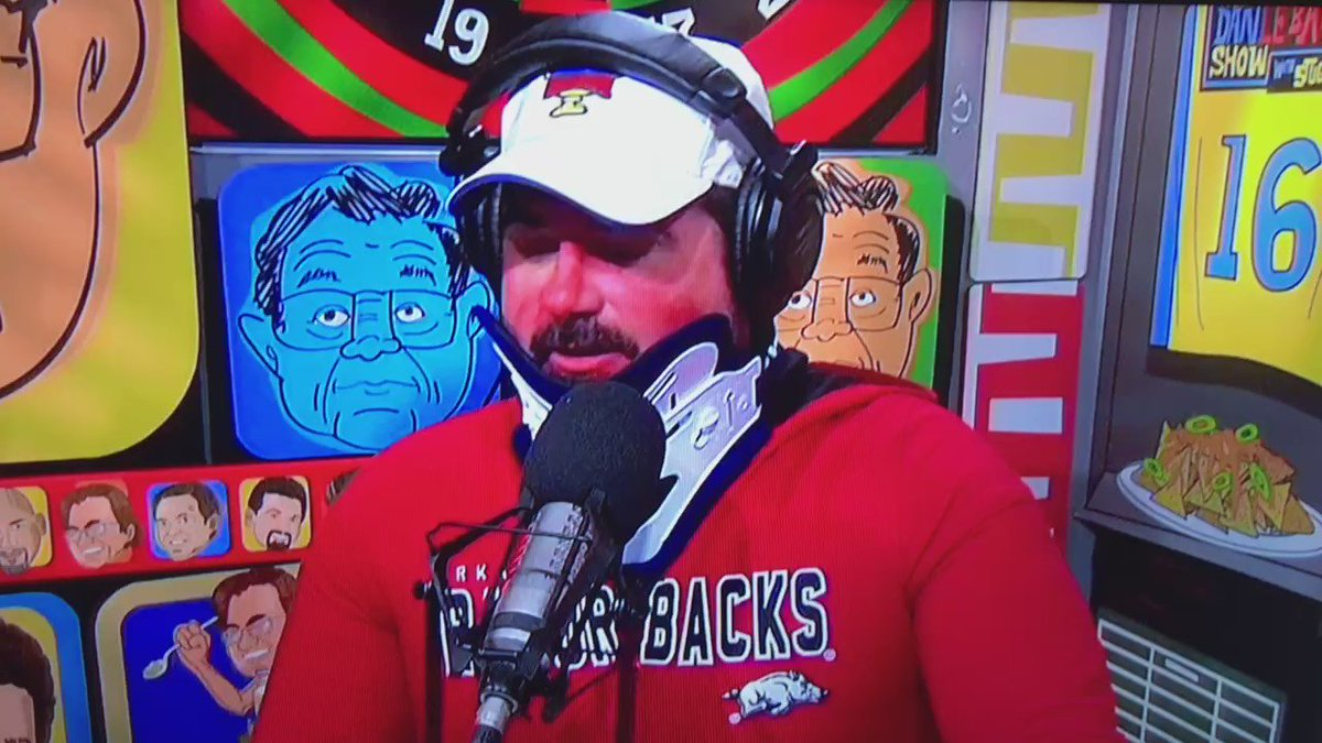 This is how you effectively dismantle a troll. Another gem from @LeBatardShow https://t.co/euvWuo4I89