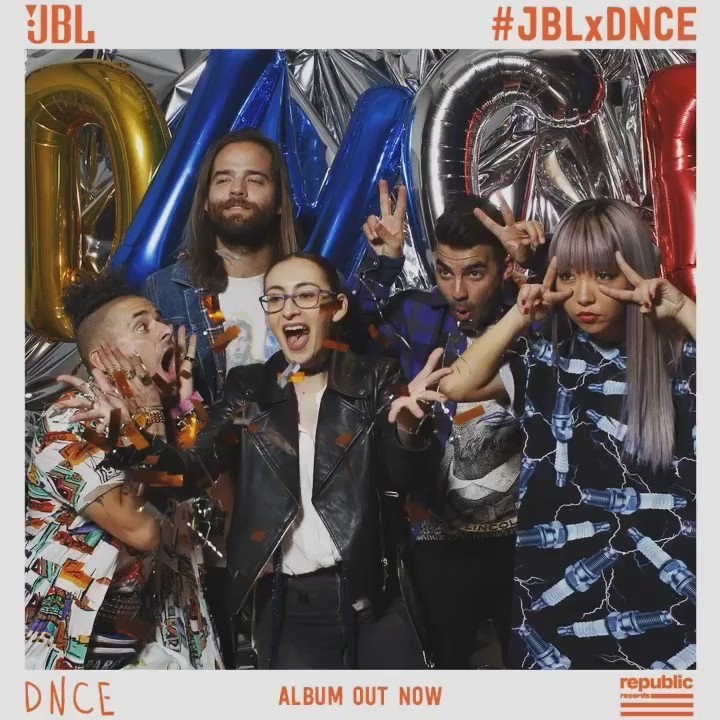 Throwin' some confetti with palz on album release night #JBLxDNCE @DNCE
