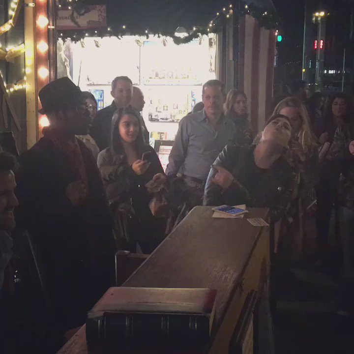 So much fun dancing and singing in #NYC with complete strangers... Many friends were made. https://t.co/VNweBGVhgw