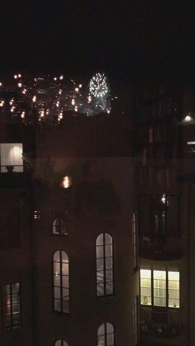 Holiday fireworks ❤️ https://t.co/XksOvLPgmu