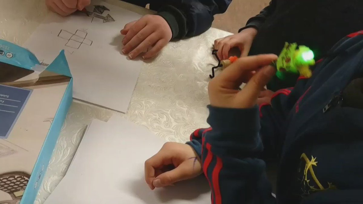 Makey Makey and making creative things with @hassandabbagh and @pamelaaobrien! #Cong16 https://t.co/JyPxevvNiq