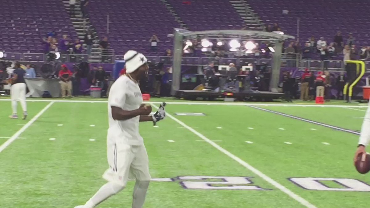 Dez arrives. Welcomed by Dak and Zeke. #4TheCowboys https://t.co/NmMTiiOhde