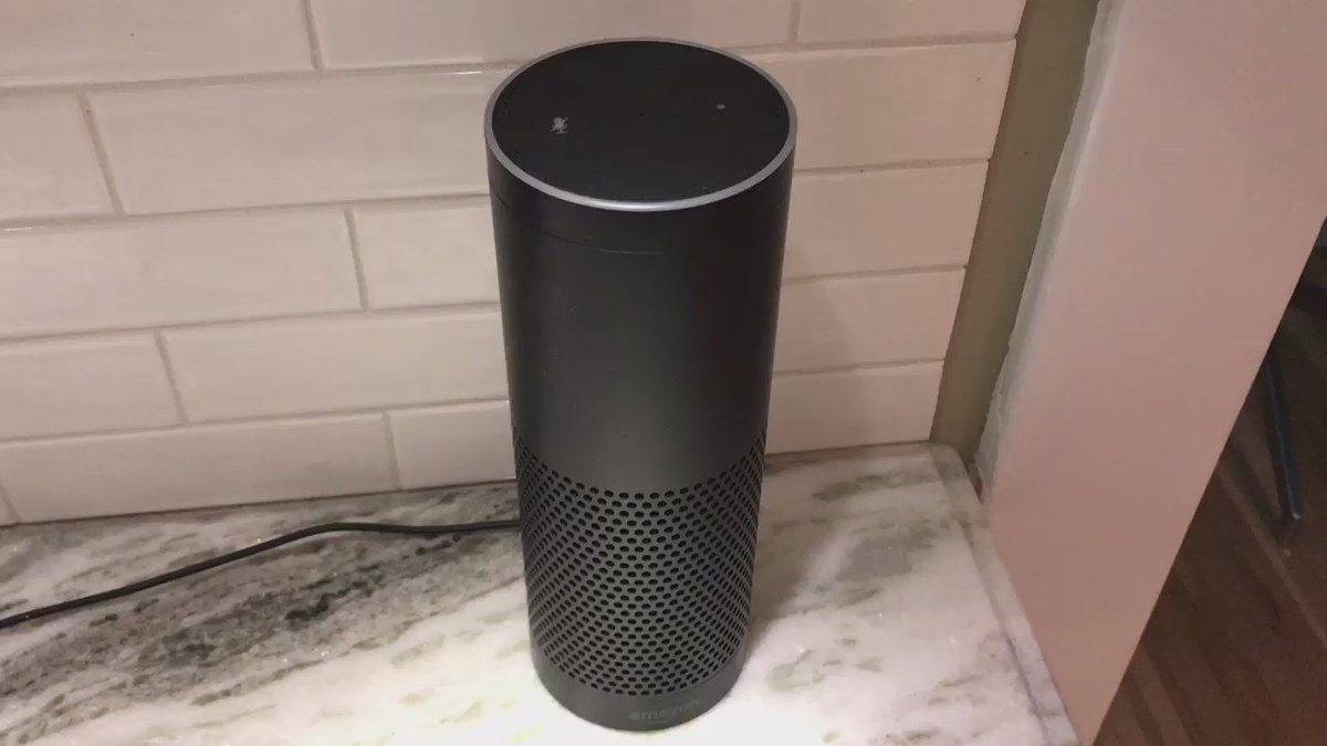 ALEXA vs. SIRI in 15 seconds https://t.co/sP2cEg5oO2