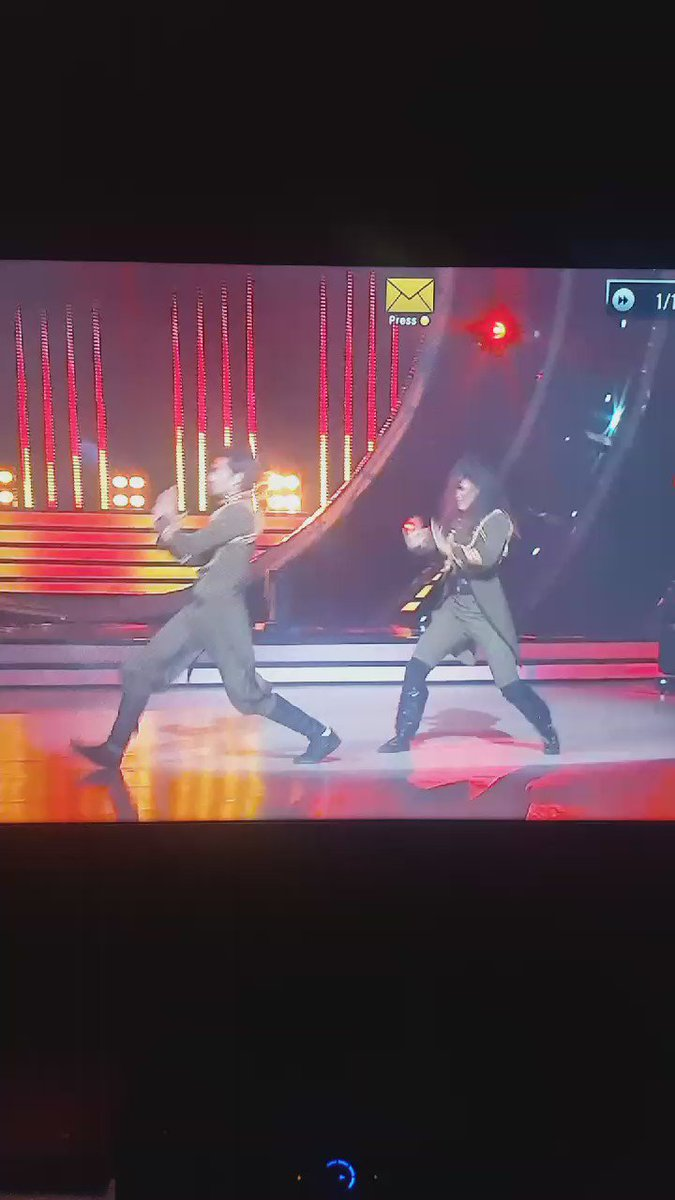 Another move of the night #JhalakDikhhlaJaa9 @shantanum07 https://t.co/3E9fKvuoxg