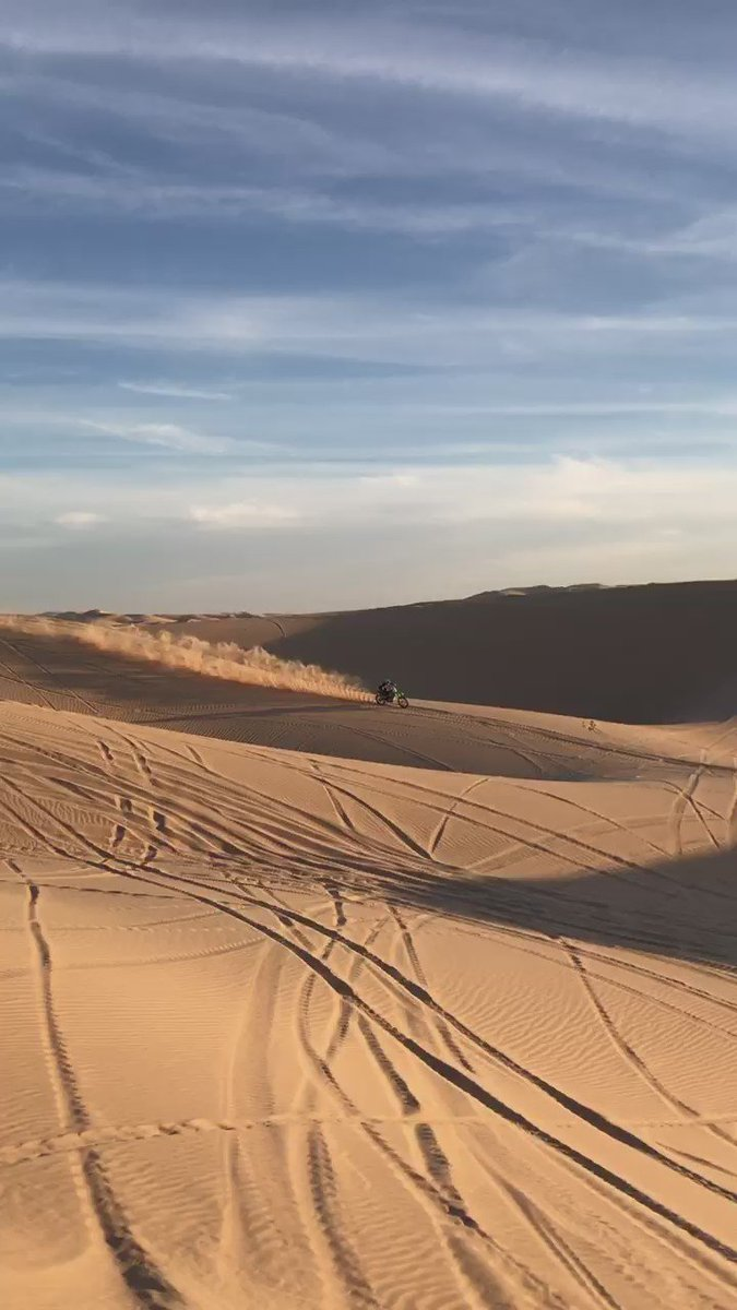 Got my dirt bike out to show off a bit since I'm not under contract right now!!! https://t.co/VykMr61MQP