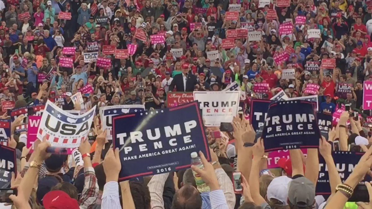 """.@realDonaldTrump tells the crowd in Mobile """"Thank you."""" https://t.co/HM1ffrE55G"""