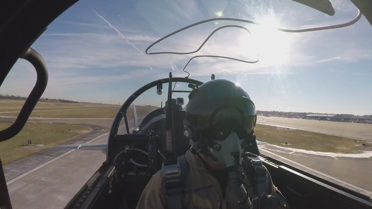 Pilot's view in the #NewBoeingTX! Learn more about T-X here: https://t.co/n12E2CnTFM https://t.co/0Pc25GXaf0