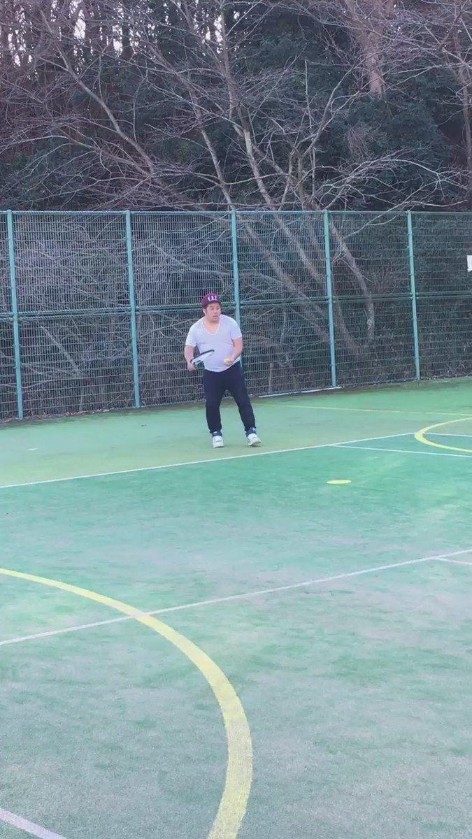 癖テニス https://t.co/TRGbKqfA6l