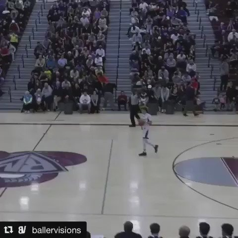 https://t.co/9vWXBXuGnu LaMelo Ball pointed to the half court line and then pulled up in the middle of a game?? #bballvines RT @Knicks_Feed