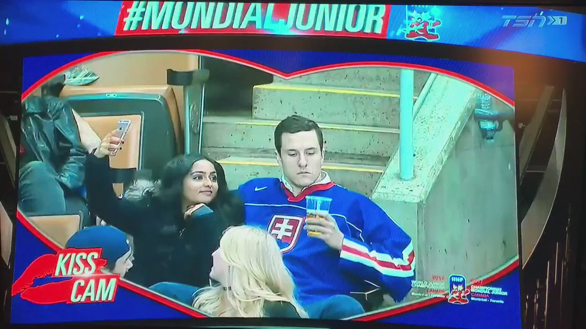 Kiss Cam at #WorldJuniors: Slovakia fan kisses his beer, chugs it, while girlfriend dies of embarrassment https://t.co/67CdU1wRNV