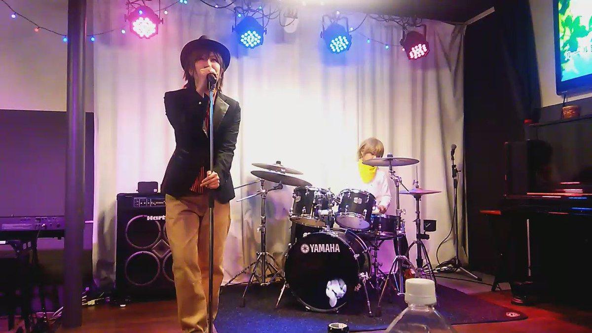 ナンパコンビちゃんのライブ行ってきたよ♡♡最高すぎた!!かっこよすぎた…もうしんでもいい(;_;)  (カラオケ歌ってもらったよ!) 千景:ゆいちさん(@onusimookamaka) 正臣:のんさん(@mizonoooon)