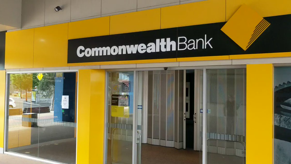 Commonwealth Bank in Sunshine, despite being closed, is wide open and unlocked. https://t.co/MVB1SKB4Ot