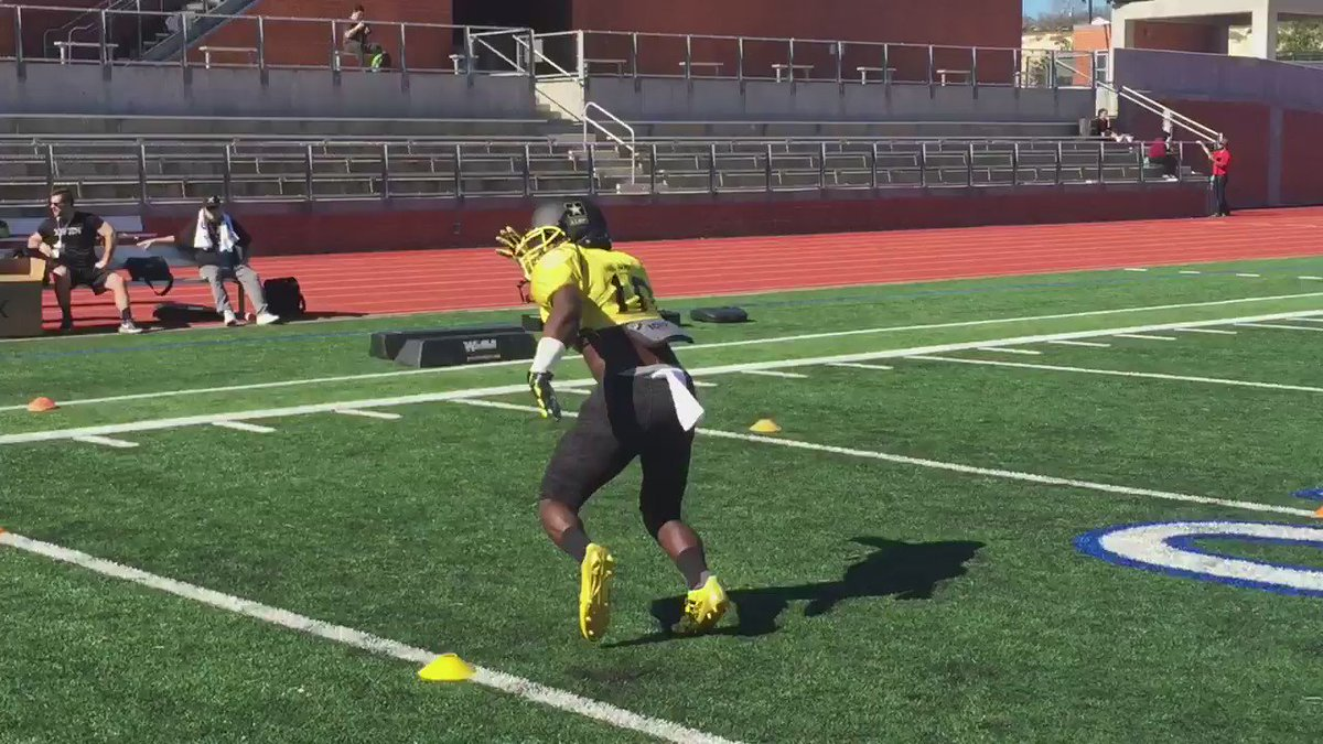 LB Willie Gay at @ArmyAllAmerican practice https://t.co/gm8J23Txv6