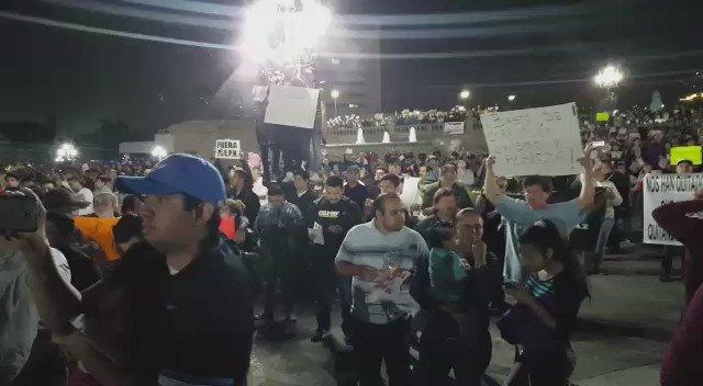 Los noticieros de radio y tv matutinos prefieren ignorar la mega marcha de ayer en Monterrey contra #Gasolinazo. https://t.co/TpjZaDjOlg