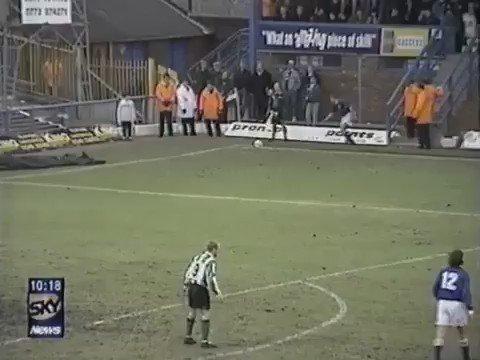 1997 yılında Chesterfield ile Plymouth Arygle oyuncuları arasındaki büyük kavga, 'Saltergate Savaşı' olarak anıldı. Bu kavga sonunda 5 futbolcu kırmızı kartla oyundan atıldı.
