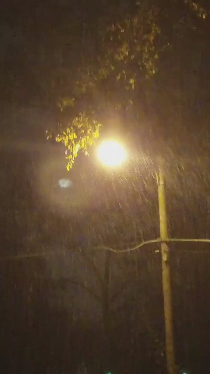 @ChrisHolcomb it is now just sleet and snow in marietta. Just off the square.