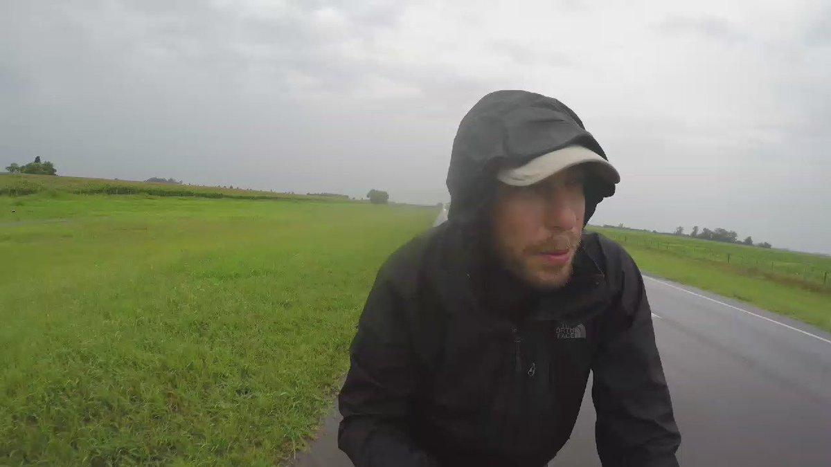 Bisikletle Dünya turu https://t.co/xBYHs96SJK https://t.co/jUwLwy24DY