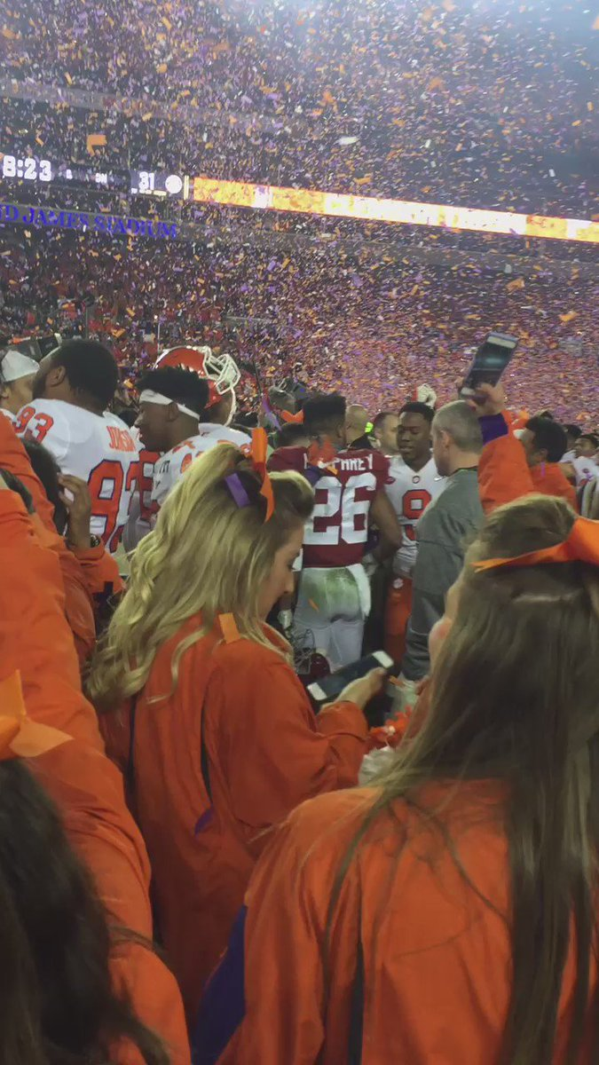 Here is Clemson celebration on the field. #CFBPlayoff https://t.co/8ZC9VP45bB