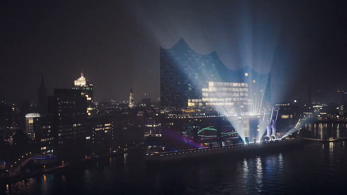 An ode to joy: Hamburg is shining. ✨ #Elbphilharmonie https://t.co/9mj...