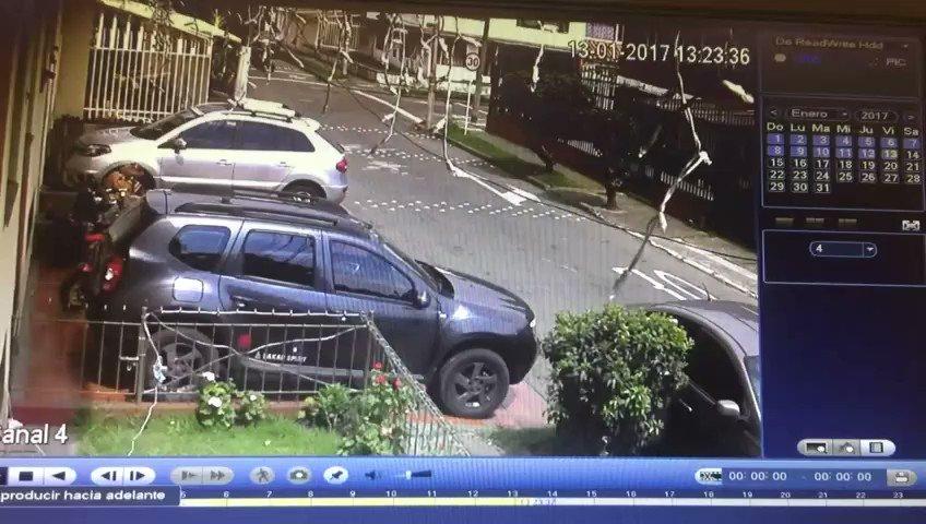 Cuidado con los ladrones de llantas. Están al acecho en el barrio Normandia de la localidad de Engativa. https://t.co/AqCHBl4ixl