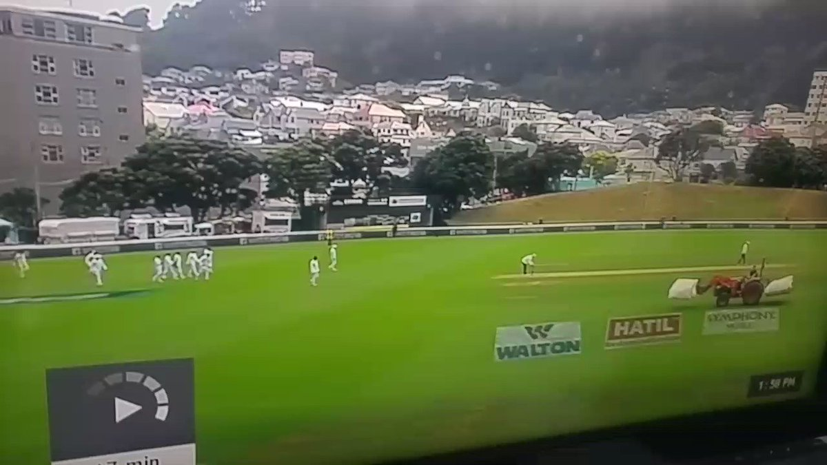 Unbelievable start to the mornings play @scottbstyris @markmywordsCGW #NZvBAN https://t.co/SJcVyYyzWF