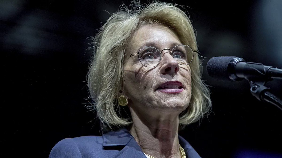 The DeVos family gave $4 million to these senators. Now they're voting on her confirmation. #DeVosFacts #DumpDeVos https://t.co/Gq6lYIrHX3