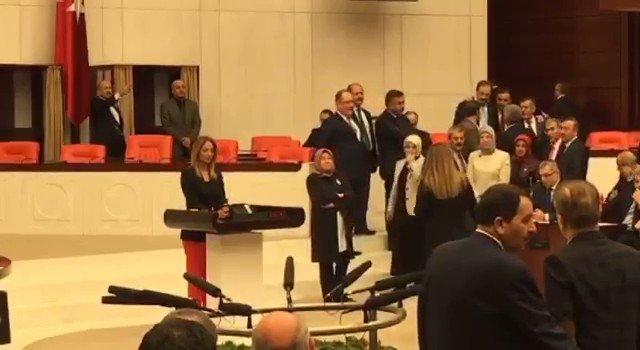 Bak bak nasıl da sinsi sinsi, sırtlan sürüsü gibi gelmiş AKP'nin mâhlûkları https://t.co/4Ye11LLO4L