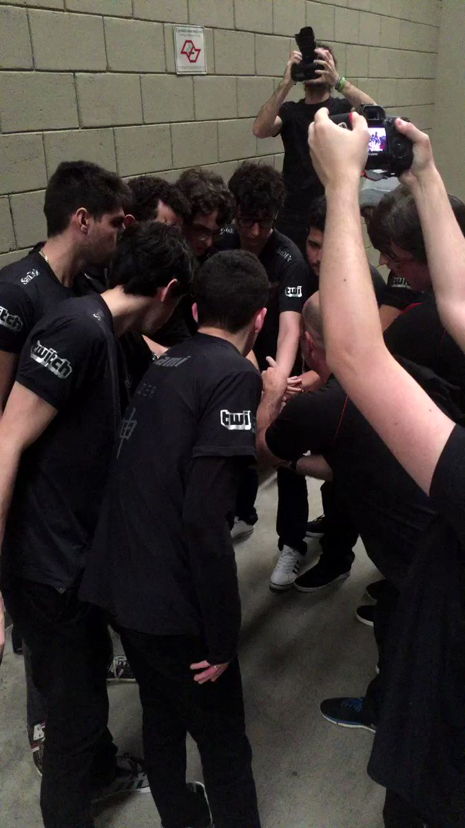 GG @paiNGamingBR! 1x0 #CBLoL https://t.co/GYFHuDFEXt