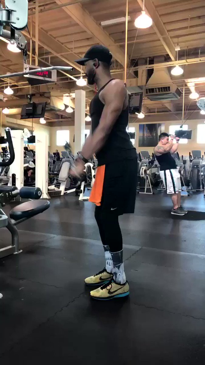 Had to burn those #triceps today @24hourfitness https://t.co/NOm164uF0T