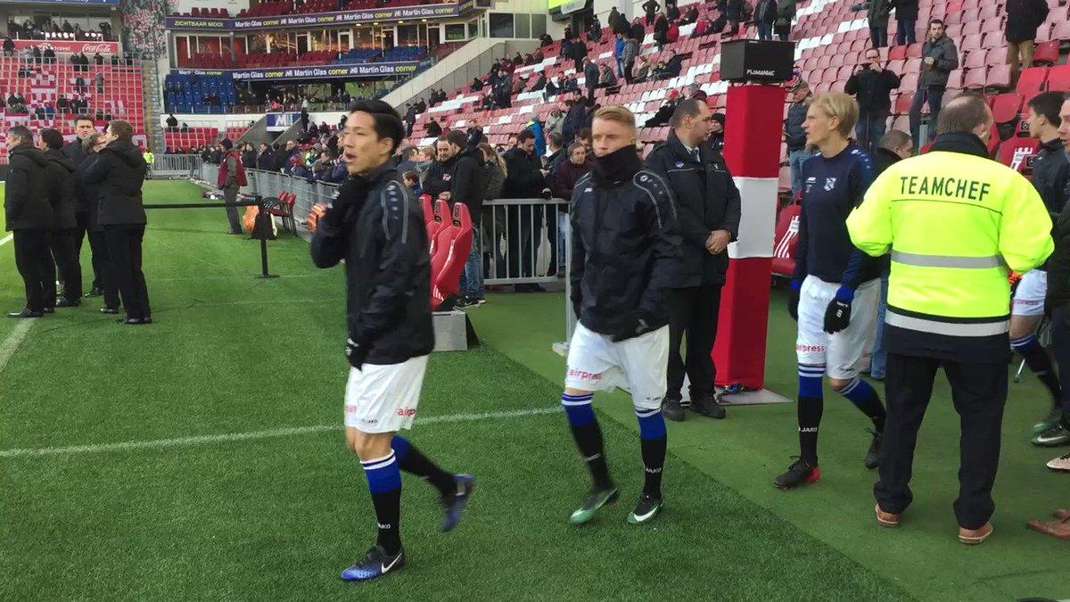 sc Heerenveen staat inmiddels op het veld voor de warming-up. #psvhee...