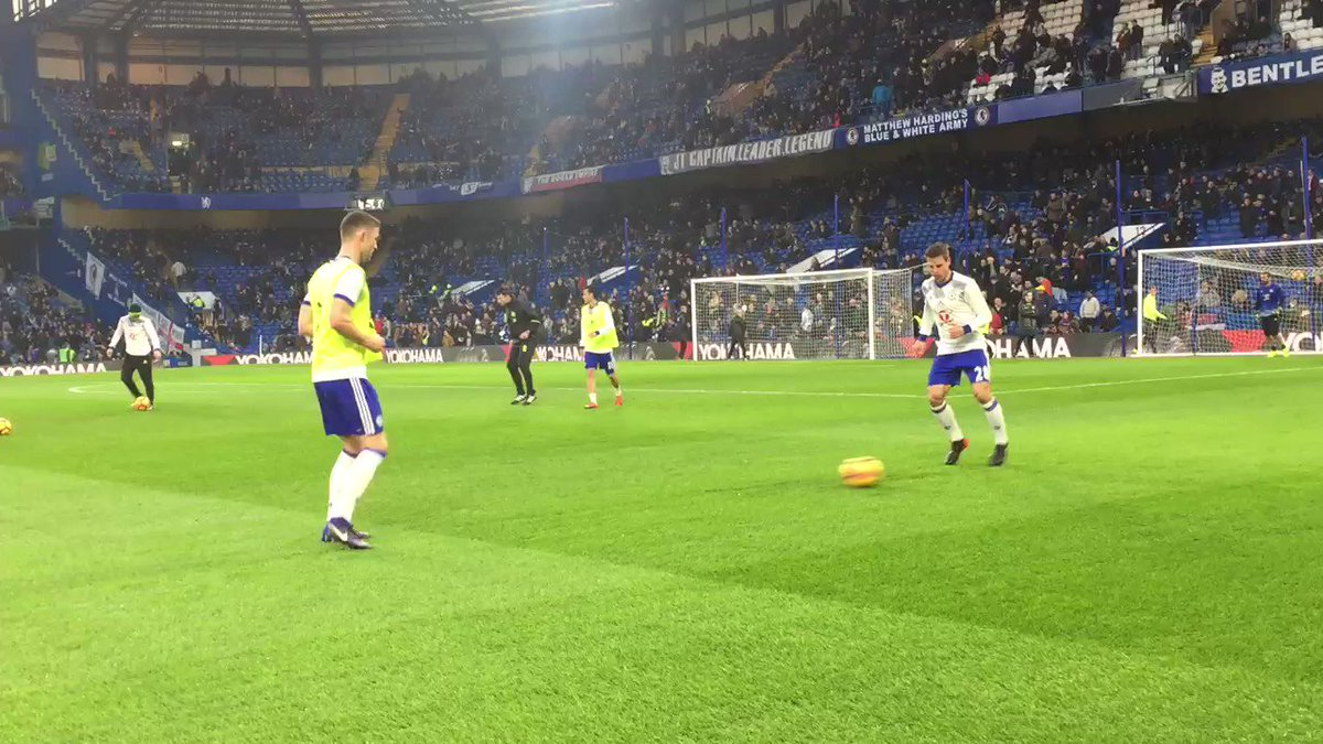 .@GaryJCahill and @CesarAzpi warming up. Not long now... #CHEHUL https...