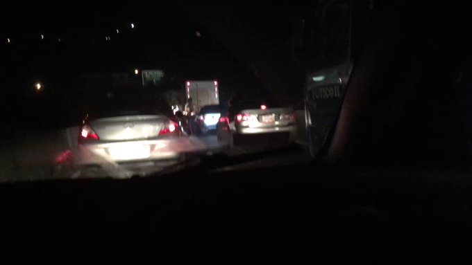 via @rasantanderl:  Punto de Control PNB Carretera PNM sentido Caracas genera caos intencional 5:52AM https://t.co/5TowTJiIr4 #Miranda