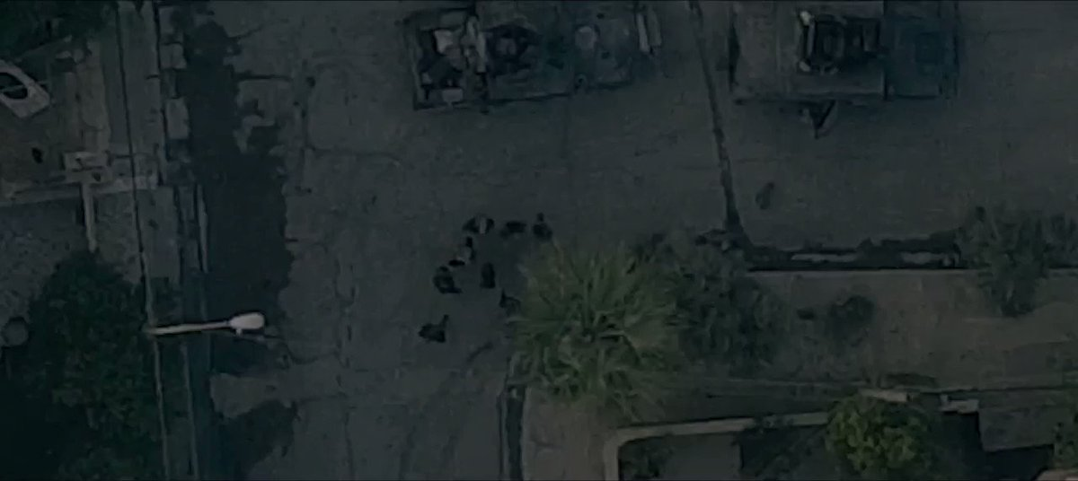 #Irak ds le trailer de sa prochaine prod. #Ninive #Mossoul l'#EI montre un drone qui largue des explosifs