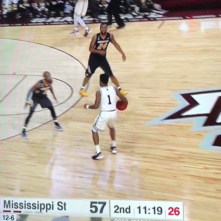 Miss. State's Lamar Peters dropped 5 straight 3s in the span of 2 minutes & 34 seconds / did other stuff. #Bulldogs https://t.co/bPfe0mkr9z
