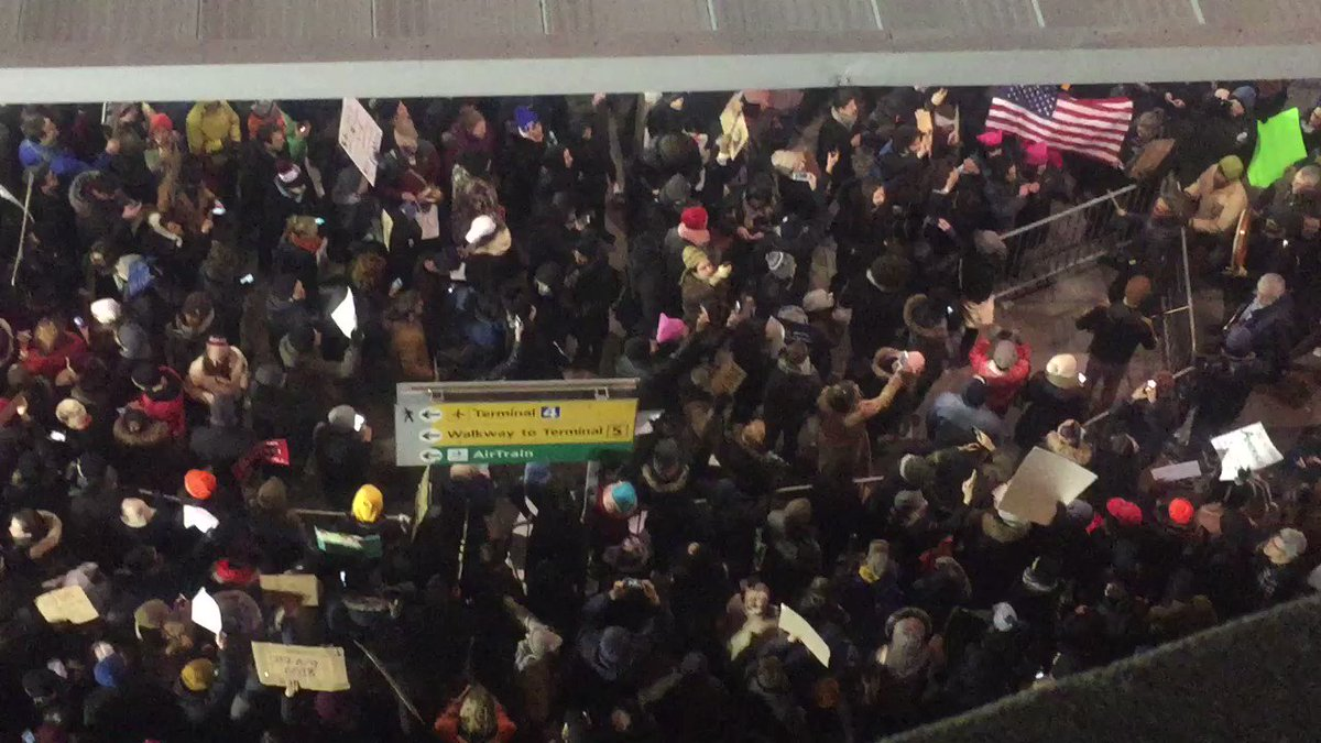 """Protestors at JFK Terminal 4 right now: """"No hate. No fear. Refugees are welcome here!"""" https://t.co/CHcWzt0T89"""