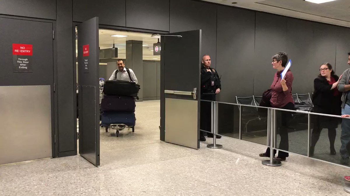 BREAKING NEWS: In defiance to Trump's #MuslimBan, Dulles airport allows refugee to enter the United States. https://t.co/Vy99FoY0lY