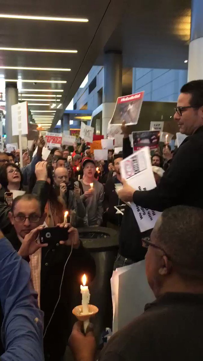 No hate! No fear! Refugees are welcome here! #HereToStay #NoMuslimBanLAX #NoBanNoWall https://t.co/e6g8um0eOM