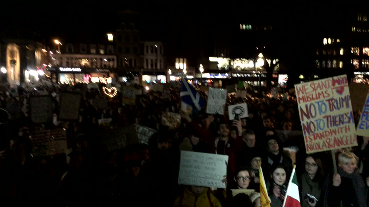 Several thousand here at The Mound. #ScotlandagainstTrump https://t.co/nQj0p77wQh