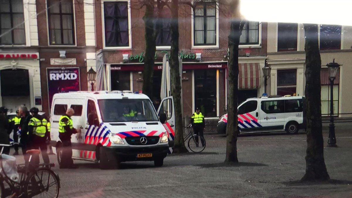 Ruim een uur voor demonstratie #Pegida in #Utrecht is hun voorman Edwin #Wagensveld gearresteerd. #hvnl https://t.co/PZ9w8mEfGo