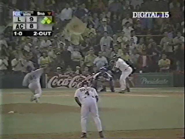 Hace 15 años yo estaba jugando left field cuando @TigresdelLicey ganó el campeonato entonces el caos sucedió