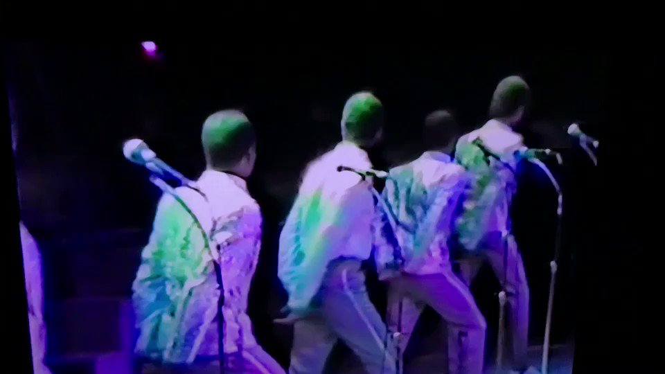 """#NewEdition """"I'm Leaving You Again"""" 1985 @NewEdition Concert https://t.co/8hraUZK7CW"""